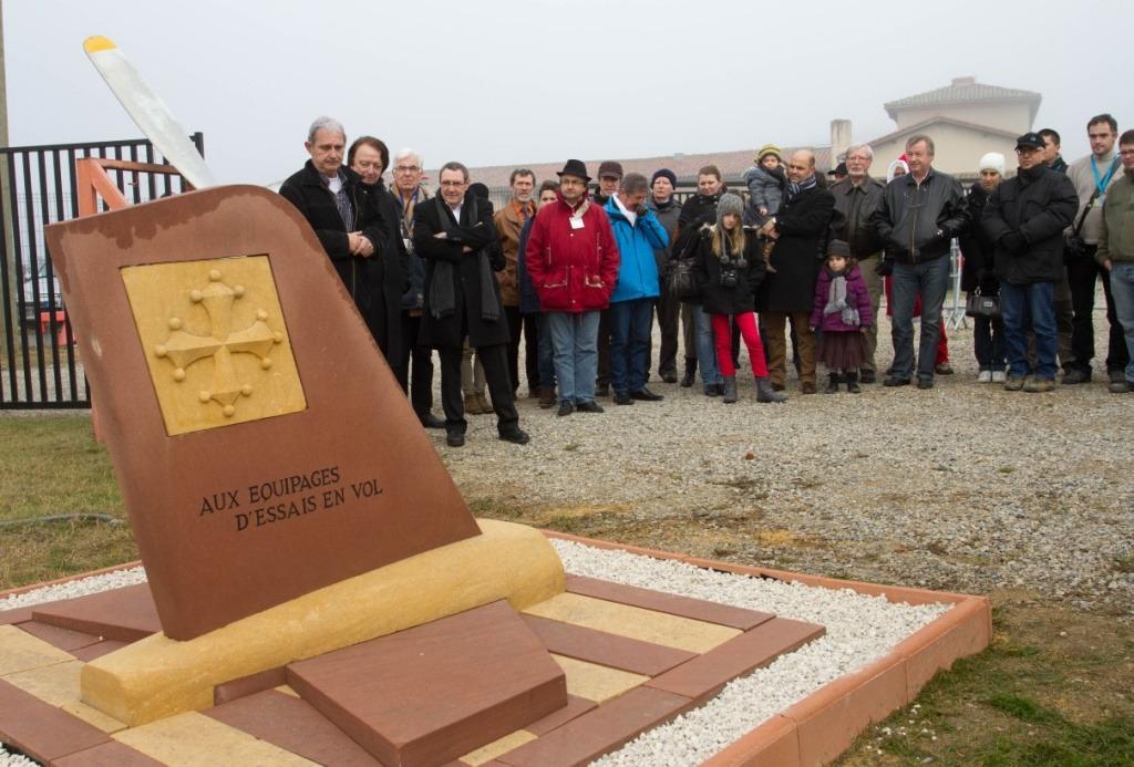 Inauguration de la stèle aux équipages d'essais en vol