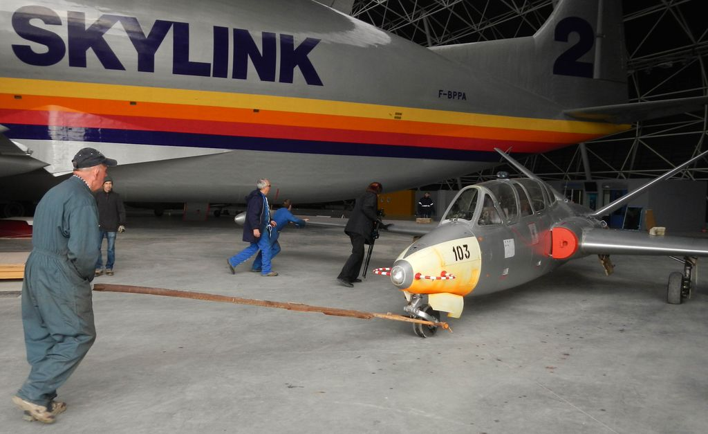 Entrée des avions dans Aeroscopia