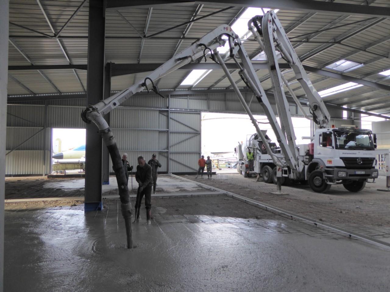 Construction du hangar de restauration