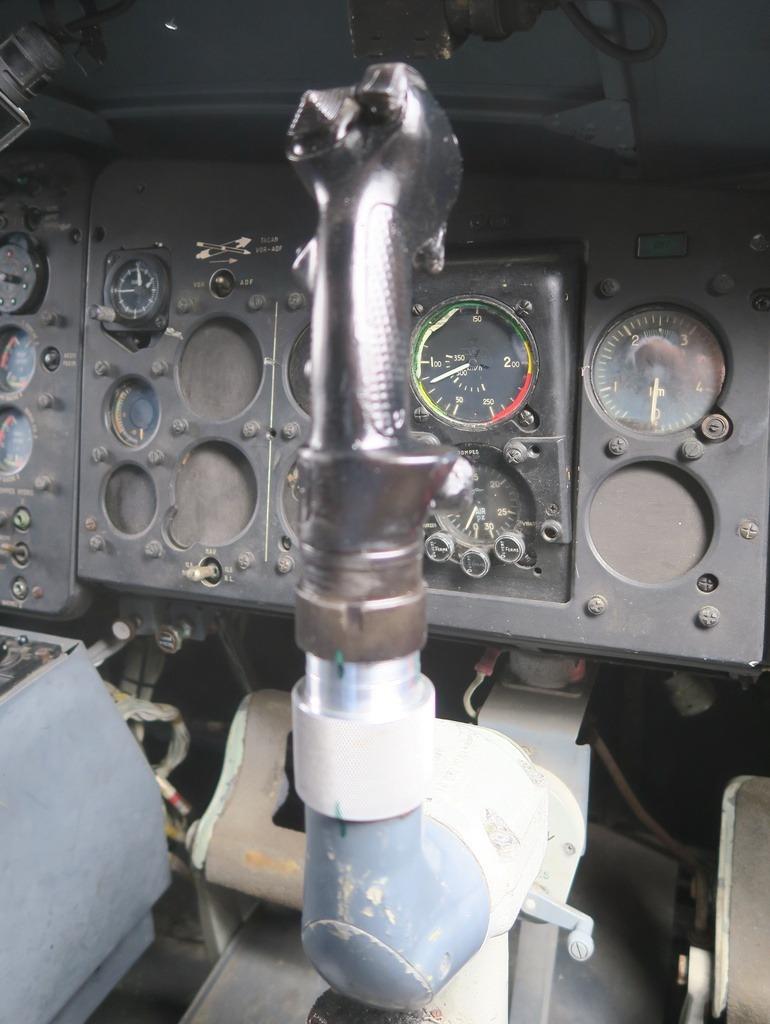 Un nouveau manche pour le Breguet 941